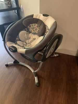Graco Glider Gliding Baby swing for Sale in Houston, TX