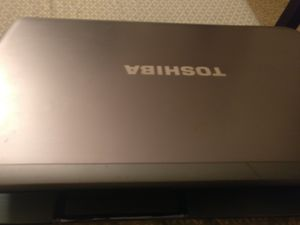 Toshiba laptop s855-s5369 for parts for Sale in Naperville, IL