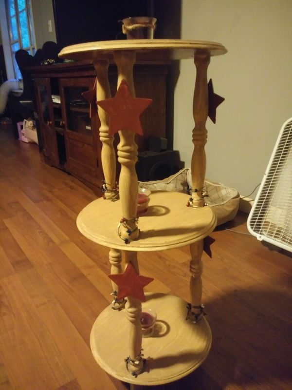 Rustic star decor wooden end table