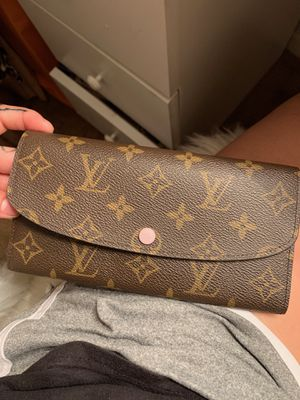 Emelie Louis Vuitton wallet for Sale in Fort Worth, TX