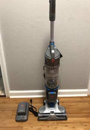 Hoover cordless vacuum for Sale in Lawrenceville, GA