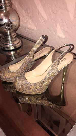 Guess Shoes, High Heels, Gold and Silver Leopard Print, Hight Fashion Size 8,5 for Sale in Chicago, IL