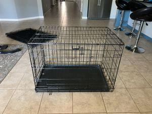 Medium double door collapsible dog crate for Sale in San Tan Valley, AZ