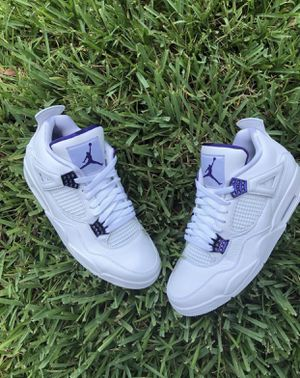Jordan retro 4 purple metallic size 11 for Sale in Tampa, FL