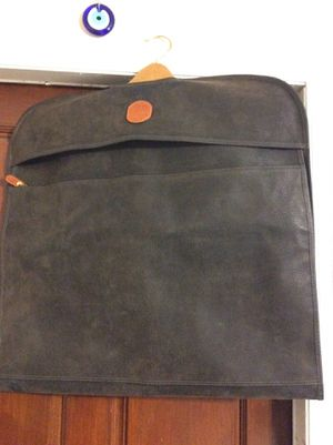 Brics Italian MicroSuede Garment Bag Dark-Brown. for Sale in Tampa, FL