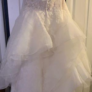 Oleg Cassini Wedding dress for Sale in Medford, NJ