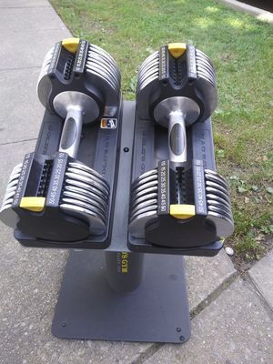 Gold's Gym 5 to 50lb pair adjustable dumbbells for Sale in Queens, NY