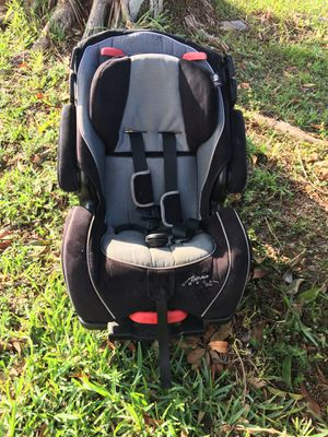 Safety first car seat for Sale in Hialeah, FL