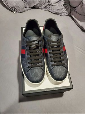 Gucci ace GG supreme men's sneakers for Sale in Orlando, FL