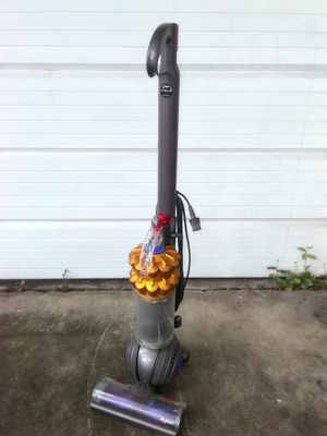 Dyson vacuum for Sale in Largo, FL