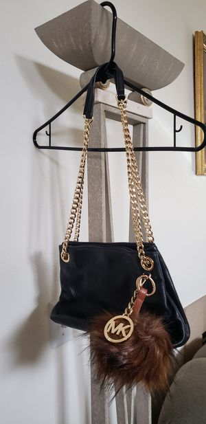 Michael Kors (Women's Shoulder Bag) for Sale in Mountlake Terrace, WA