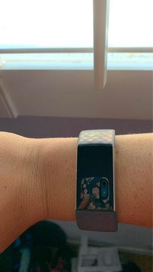 RoseGold Charge 3 FitBit for Sale in Merced, CA