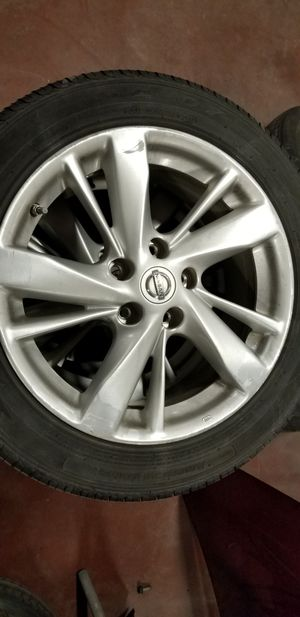2015 nissan altima rims and tires for Sale in Katy, TX