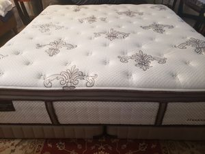 King size Luxury Stearns Foster Pillowtop Mattress split box springs bed frame for Sale in Lynnwood, WA