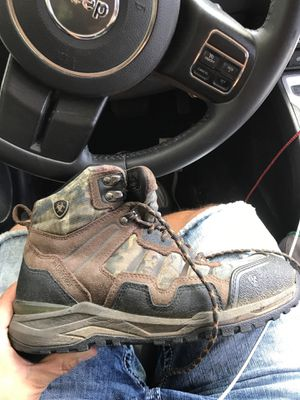 Ariat work boots 9D for Sale in Austin, TX