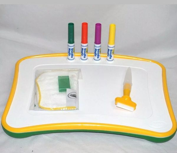 Crayola Doodle Magic Lap Desk Drawing Board Creative Toy Yellow-Green
