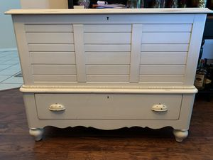White shabby chic/vintage hope chest/chest of drawers for Sale in Apopka, FL