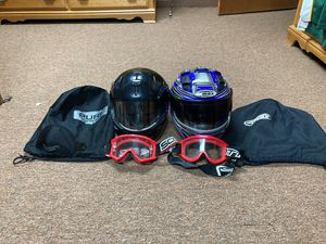 snowmobile helmets + goggs for Sale in Willow Springs, IL
