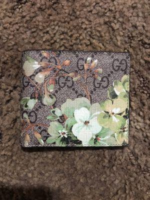 Gucci wallet for Sale in Visalia, CA