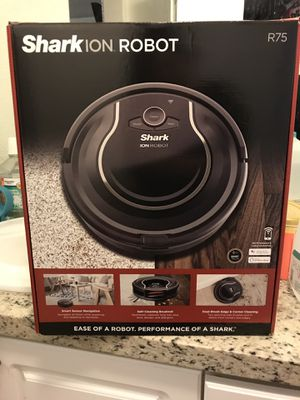 Shark I Robot Vacuum for Sale in Hialeah Gardens, FL