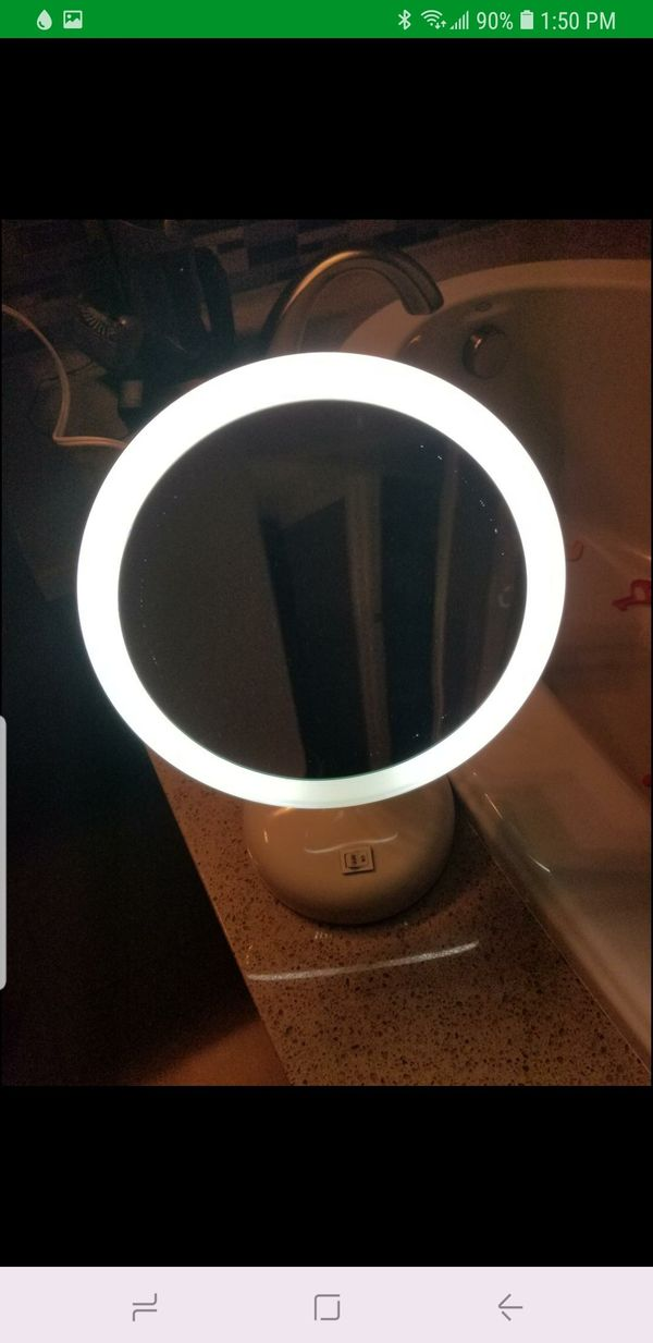 Illuminated 10x magnification mirror plus travel LED magnifying mirror included