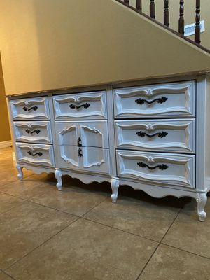 Dresser for Sale in Avondale, AZ