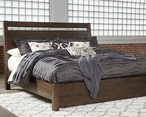 Queen Bed Set for Sale in Belmont, MA