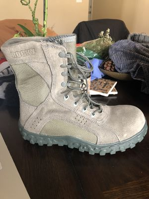 Rocky composite work boots size 9w for Sale in Edgewater Park, NJ