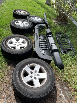 2008 jeep Rims And Wheels Set + more for Sale in Poinciana, FL