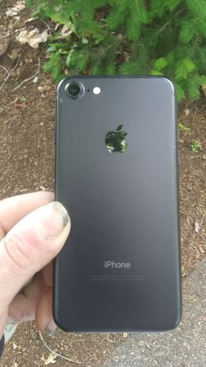 Matte black iPhone 8 32GBvery clean NOT ICLOUD LOCKED for Sale in Wilsonville, OR