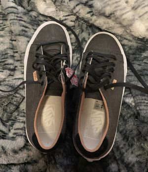 Gray Vans 6.5 (can fit size 7) for Sale in San Angelo, TX