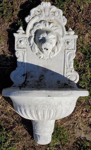 "Lion head wall fountain 30"" × 18"" for Sale in Tampa, FL"