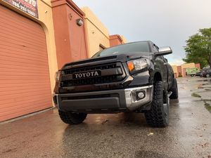 SUSPENSIONS. LIFT KITS. ACCESSORIES. TIRES. WHEELS. LEVELING KITS. LEDS. ROCK LIGHTS. for Sale in Miami, FL