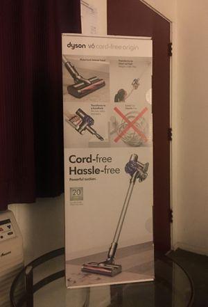 Dyson V6 cord free origin for Sale in Santa Maria, CA