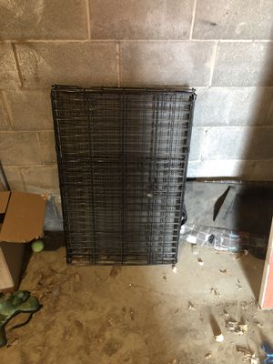 Medium dog crate for Sale in Denver, CO