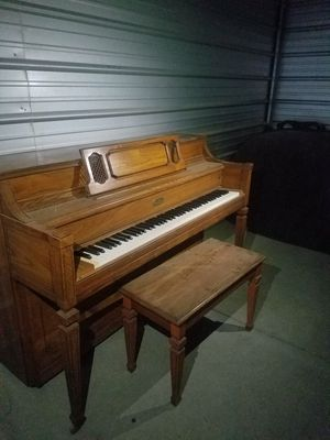 ENTERTAIN FAMILY & FRIENDS WITH A PIANO for Sale in Fresno, CA
