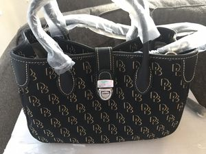 Classic Dooney & Bourke purse for Sale in Payson, AZ