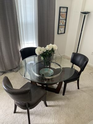 Round dining table, 4 chairs , coffee table for Sale in Sterling, VA