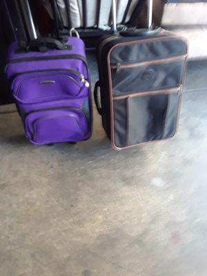 dos maletas chicas por 30 dlls for Sale in Chula Vista, CA