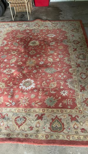 8x10 wool pile rug in very good condition for Sale in NY, US