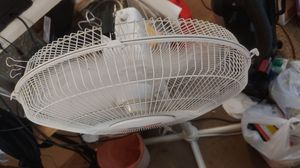 2/TWO 16 in oscillating floor fans for Sale in Tucson, AZ