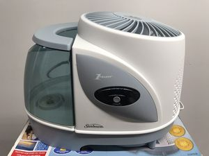 Sunbeam purified mist humidifier cool mist for Sale in Chicago, IL