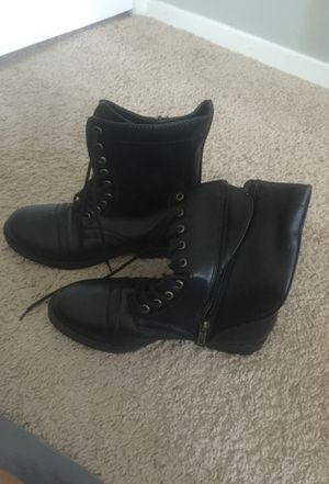 Black boots for Sale in Fort Washington, MD
