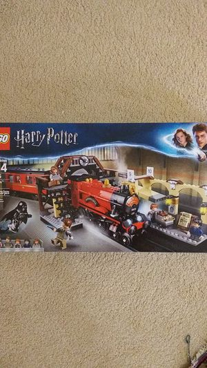 Lego Harry Potter Hogwarts Express 75955 for Sale in Englewood, CO
