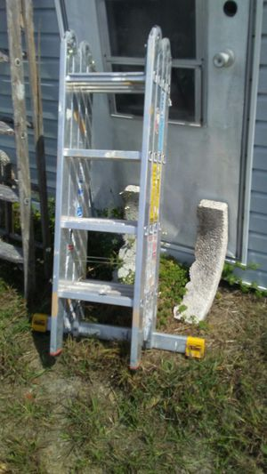 Heavy duty 12 position ladder w extra stabilizing foot. $115 for Sale in Haines City, FL