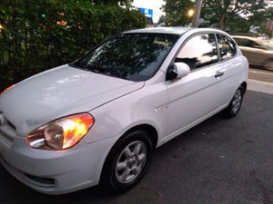 2007 hyundai accent hatchback for Sale in Holyoke, MA