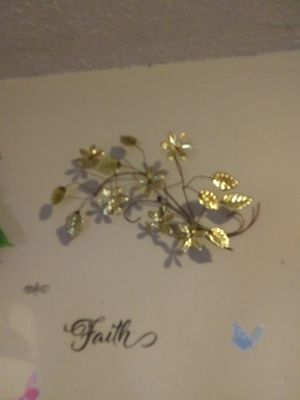 Two brass metal there home Inter brass leaf hang on Wall set for Sale in Murfreesboro, TN