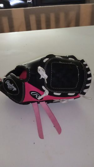 Girls youth baseball glove brand new made by Rawlings for Sale in Orange, CA