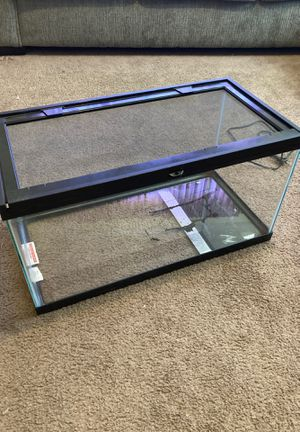20 gallon reptile tank and heating pad for Sale in Tacoma, WA