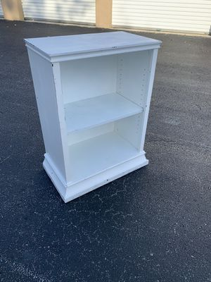 White rustic single adjustable book shelf! Great room storage shelving, very sturdy. Dimensions: 27x16x35in for Sale in Wellington, FL